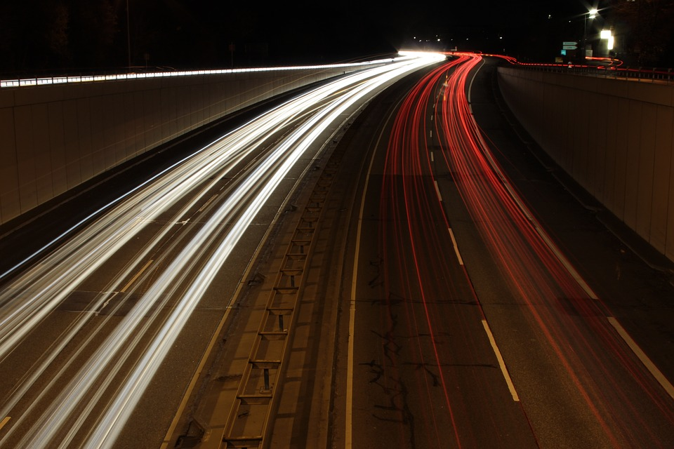 Autopista de noche
