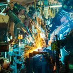 PYME industrial que aplica Industria 4.0 en la producción.