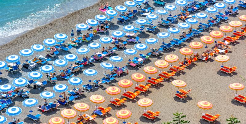 Teletrabajar en la playa: medidas de ciberseguridad